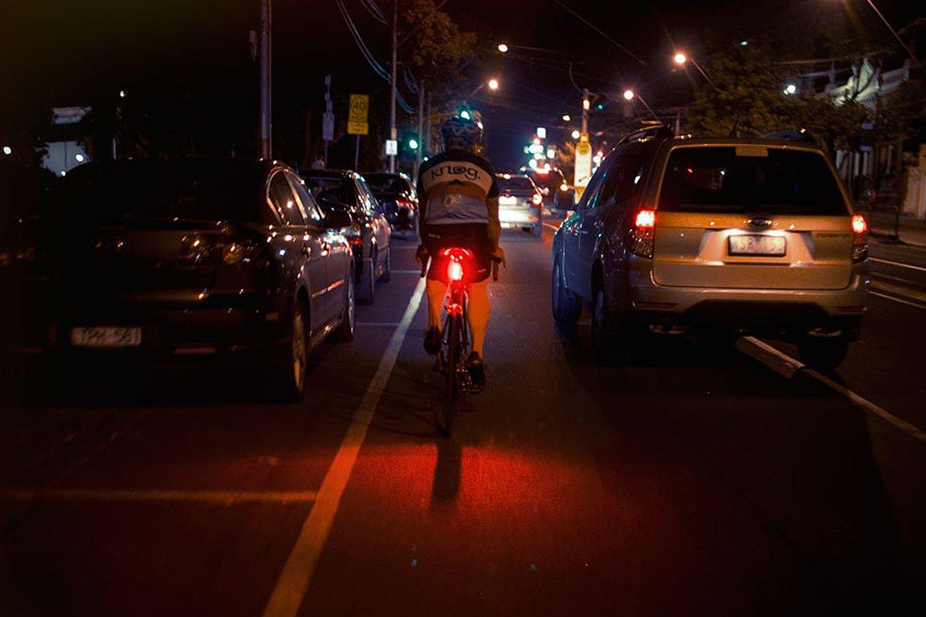 Vista Light Traseiro Blinder Road R70 - Knog