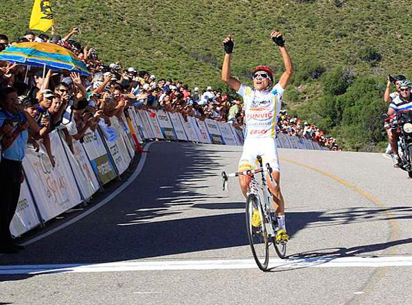 Brasileiro Alex Diniz lidera Tour de San Luis