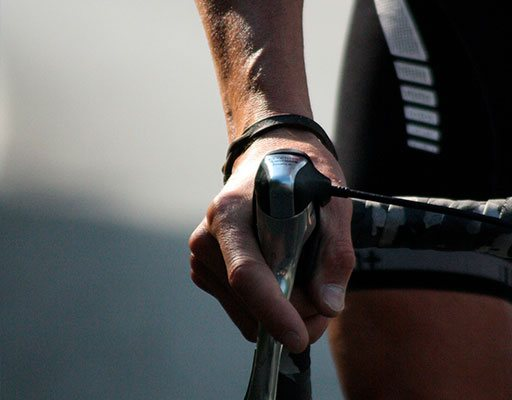Vestuário de ciclismo para homem.
